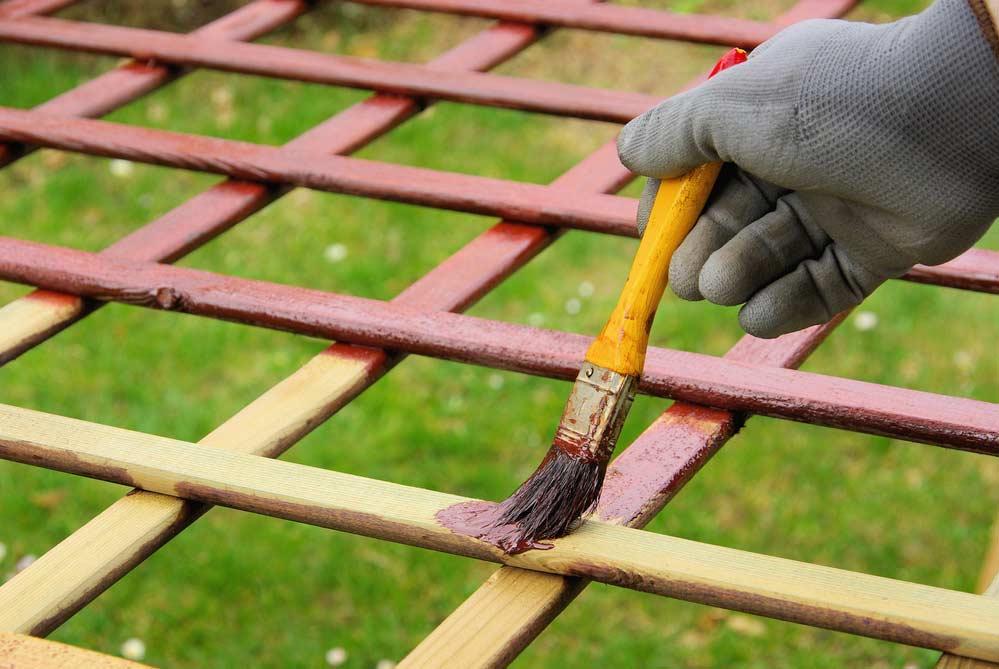 Como pintar móveis de madeira passo a passo