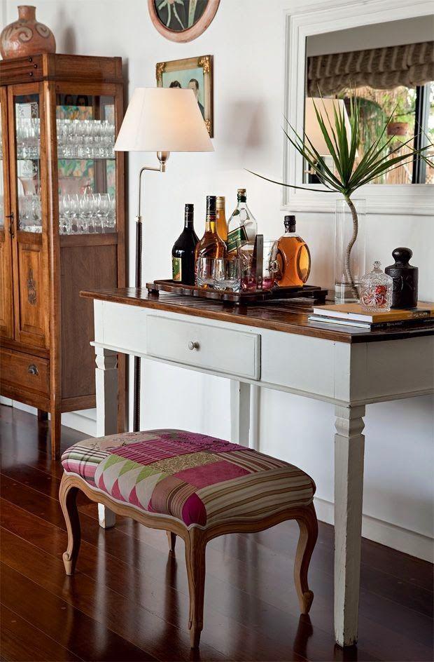 Barzinho para sala no estilo clássico