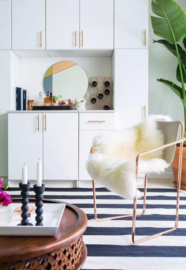Barzinho para sala simples e discreto
