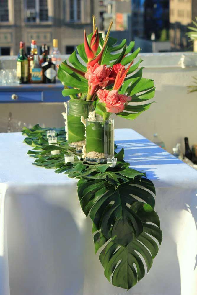 O caminho de mesa também pode ser feito com folhas naturais, veja só!