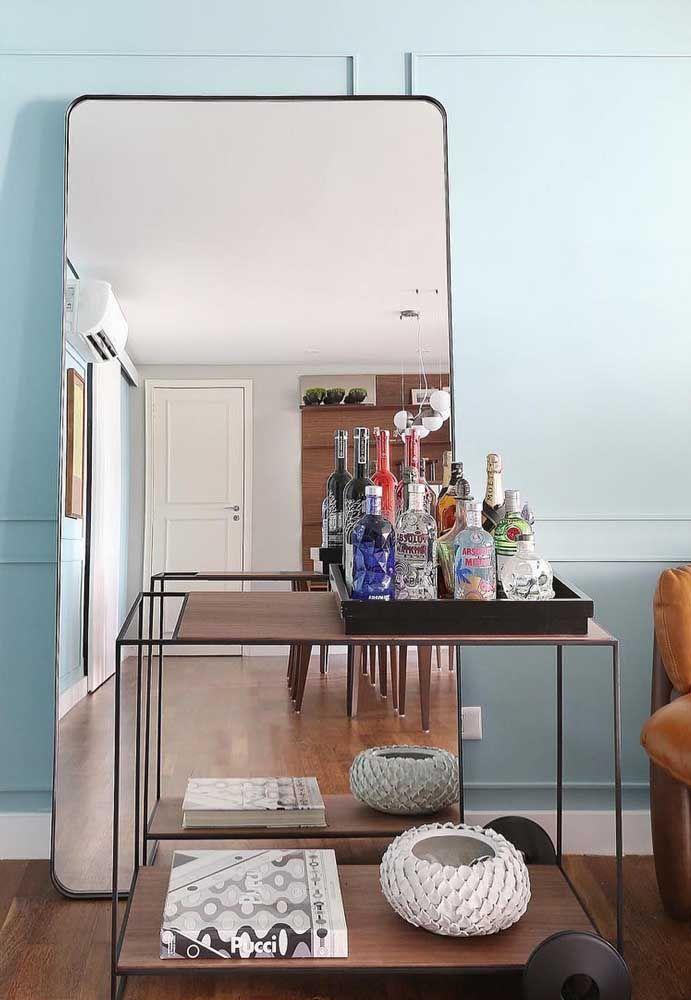 Espelho para sala em boiserie
