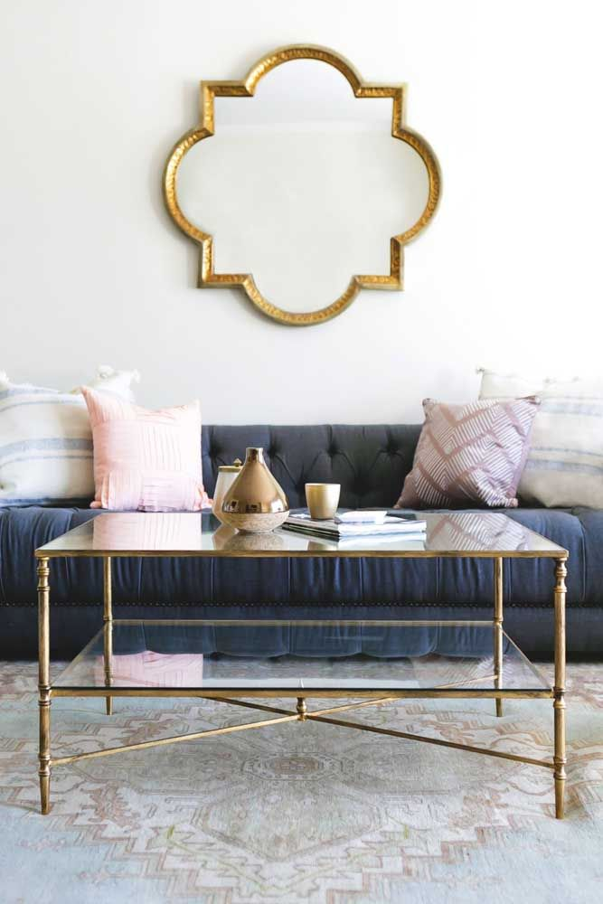 Espelho para sala com moldura dourada