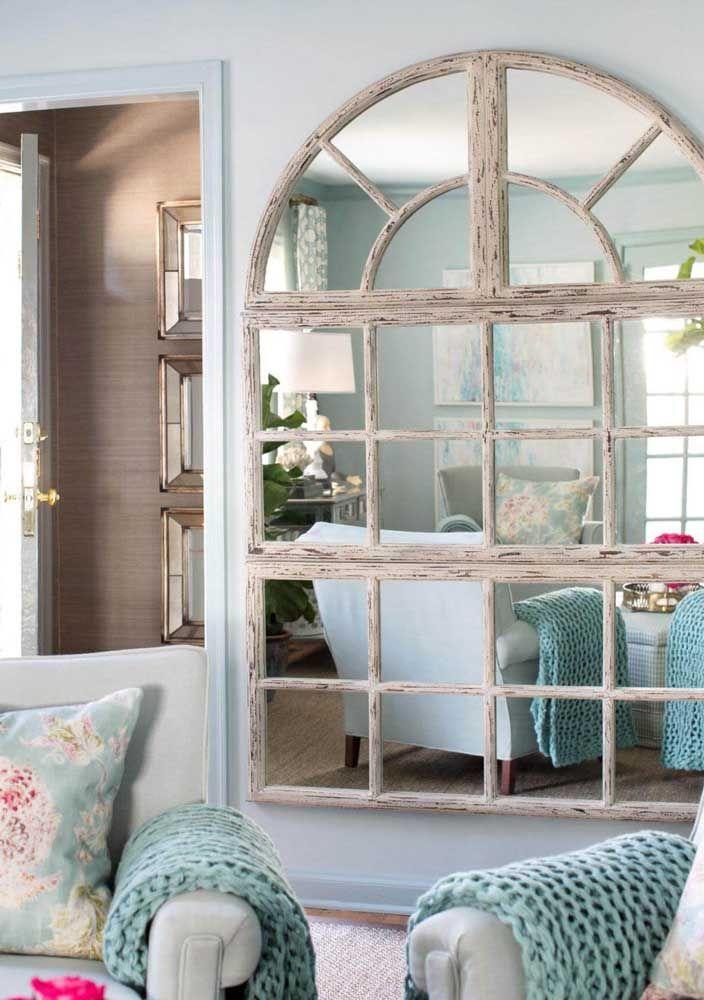 Espelho para sala em formato de janela
