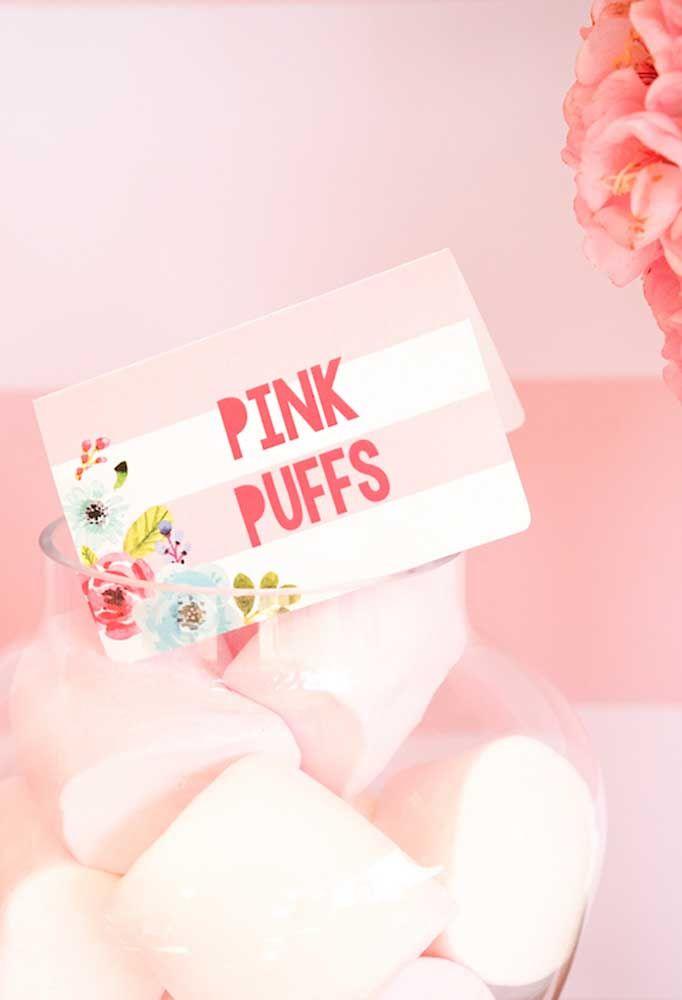 Aposte nos tons de rosa até mesmo para os docinhos e comidinhas industrializadas