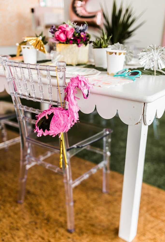 Mini-piñata flamingo para cada um dos seus convidados