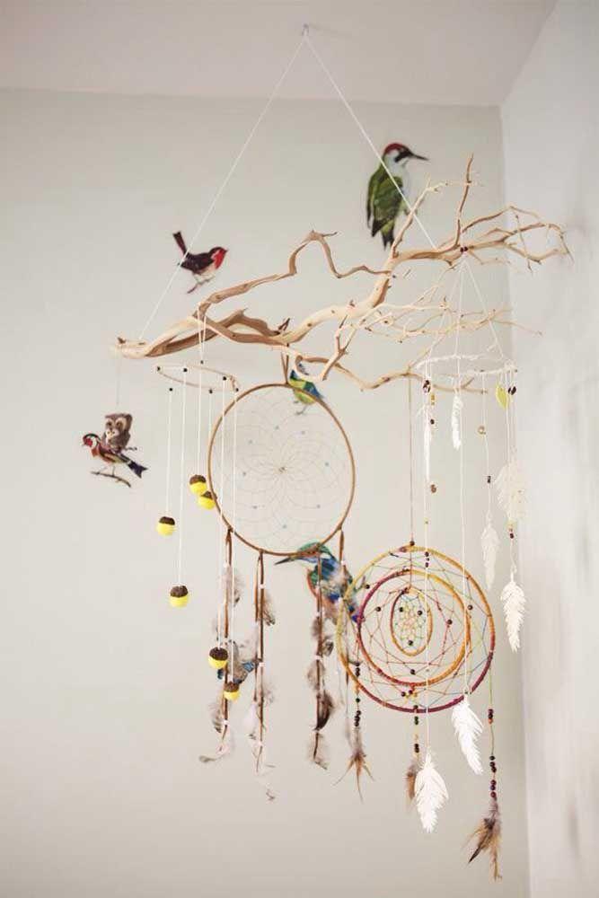 Decoração de galhos e pássaros, um filtro dos sonhos encantador