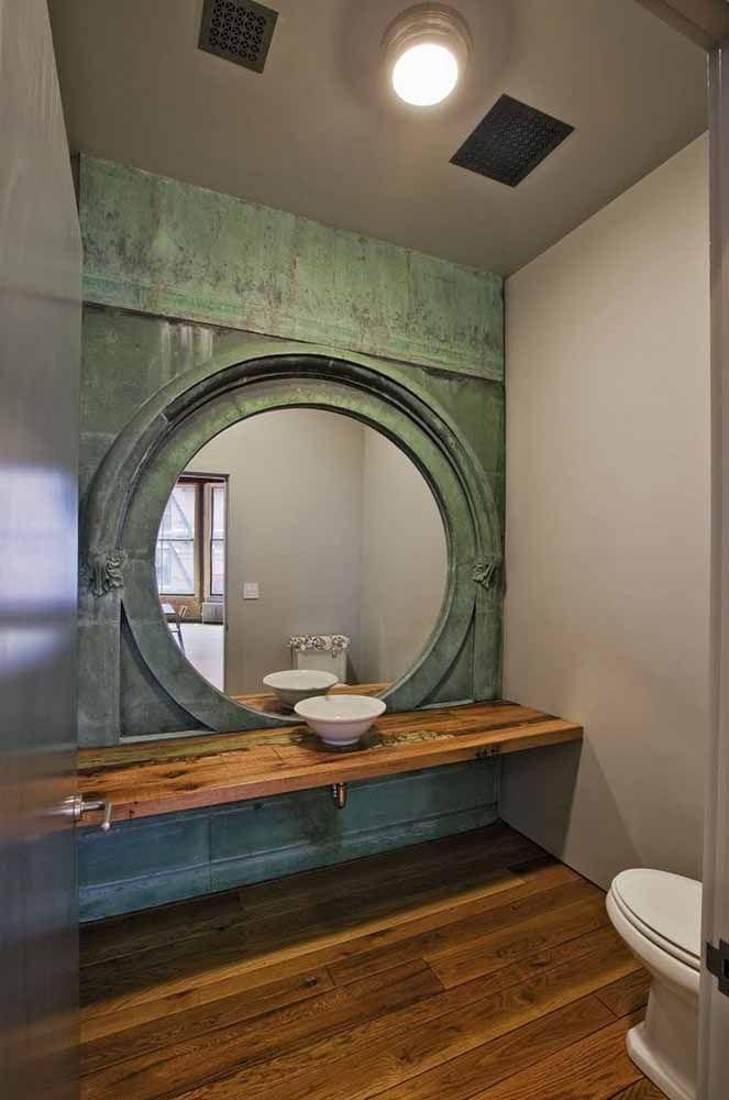 Nesse outro banheiro a pátina verde foi usada em toda a parede