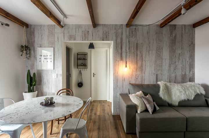 A pátina na parede pode parecer uma ideia ousada a principio, mas depois de ver um projeto como esse a coisa muda de figura