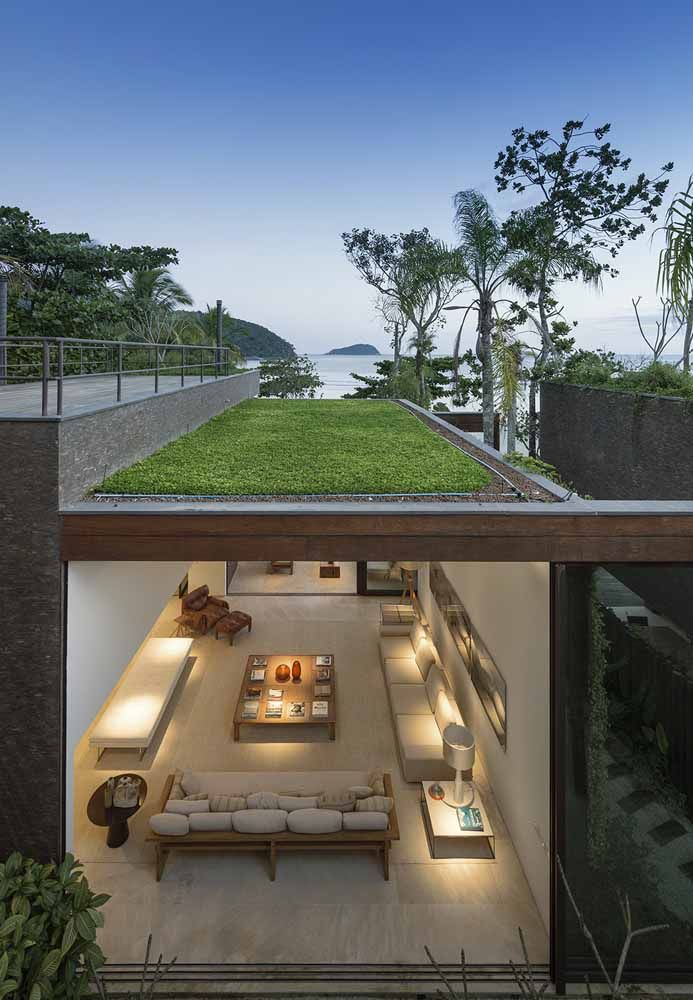 Grama e espaço de lazer: a proposta aqui é transformar o telhado em uma extensão do quintal