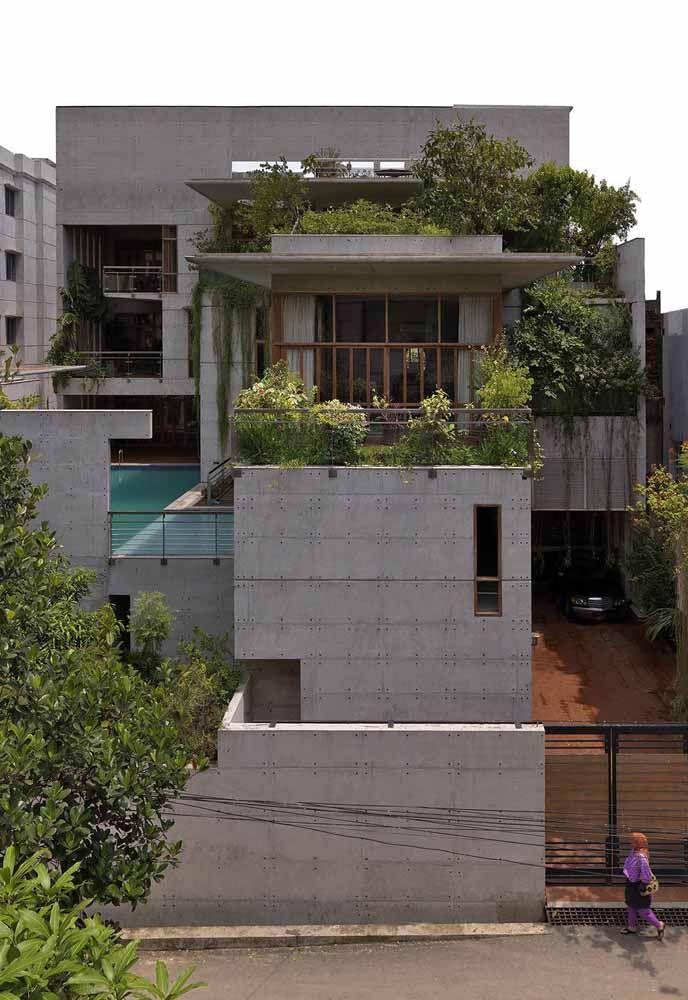 Você não precisa cobrir toda a casa com um telhado verde, a ideia pode ser usada em uma área menor, como no exemplo da imagem