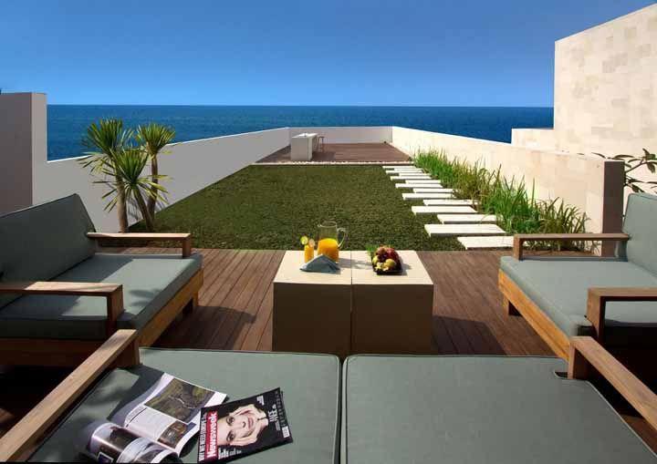 Para curtir a beira mar, um telhado verde que mais parece um terraço