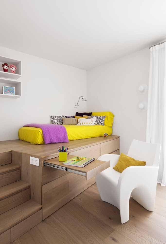 Mais um modelo prático e funcional de escrivaninha para ambientes pequenos: inspire-se