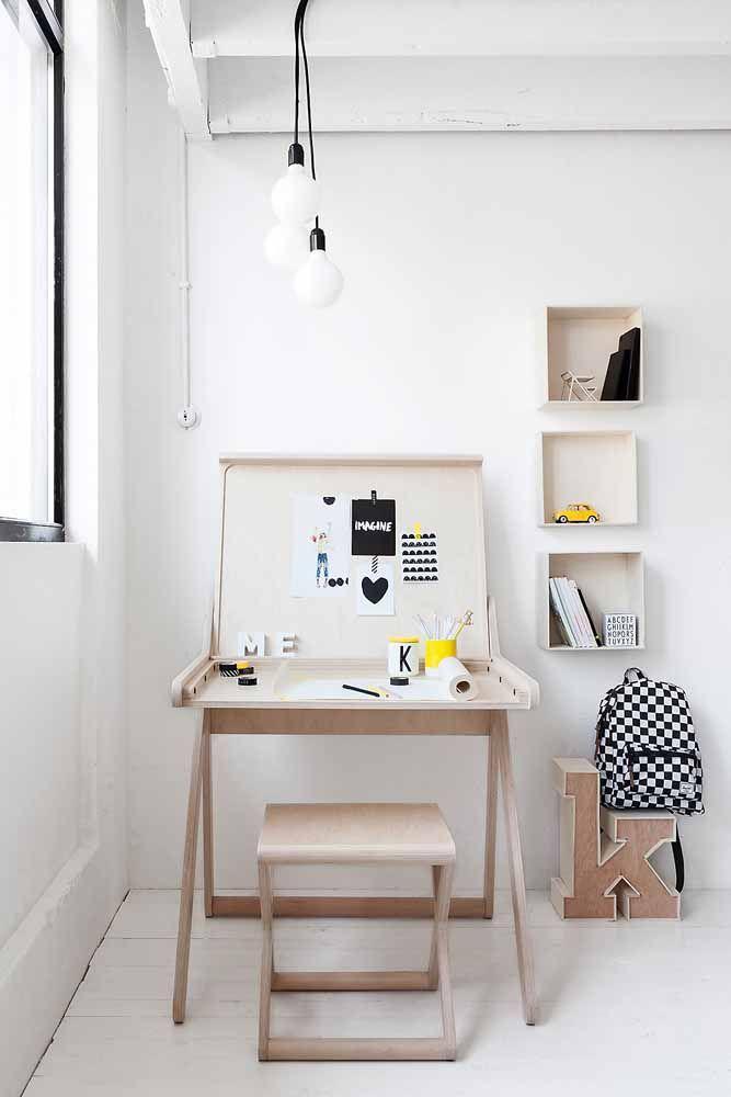 Escrivaninha pequena abre e fecha
