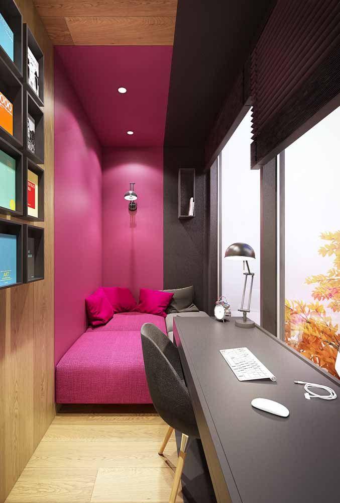 Quente, sensual e ousado: essas são as sensações que um ambiente desperta ao ser decorado com rosa pink e preto
