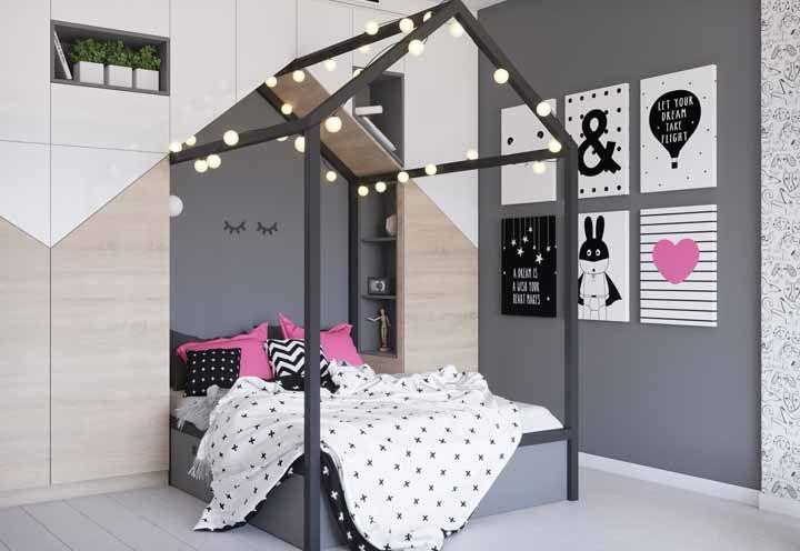 As meninas maiores vão adorar a proposta de combinar rosa e preto no quarto