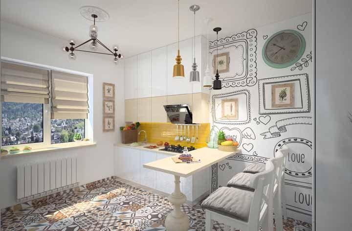 Ladrilho hidráulico no chão e adesivo na parede: duas soluções simples capazes de transformar o visual da cozinha