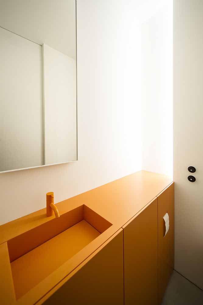Bancada de madeira para banheiro clean com a cor laranja