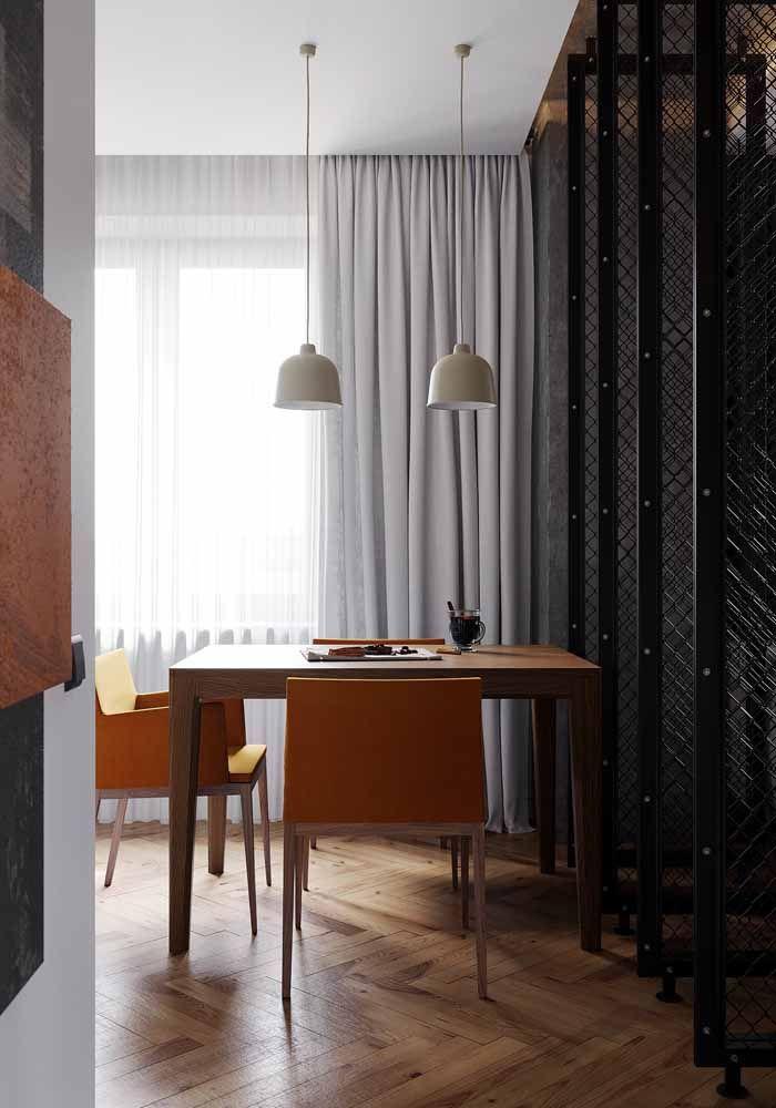 Traga cor para o home office com cadeiras laranja no estilo que você desejar