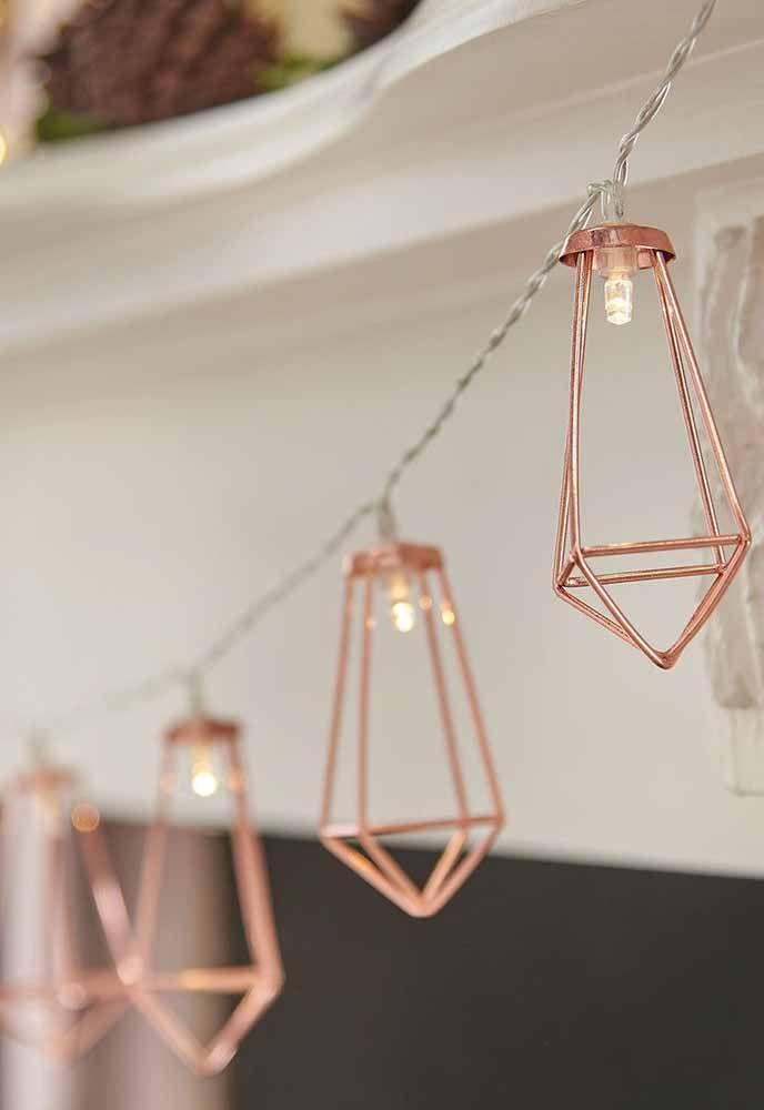Uma versão elegante e moderna do velho e conhecido varal de lâmpadas.