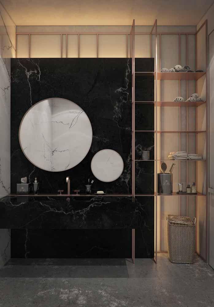 A união perfeita entre o sofisticado mármore preto e o glamouroso Rose Gold.
