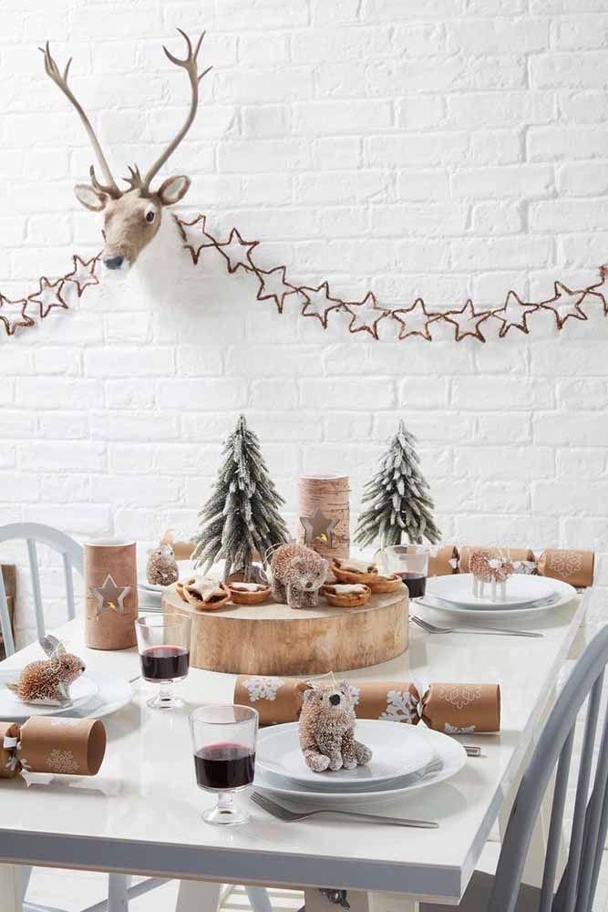 Centro de mesa de Natal e decoração do ambiente inspirada na floresta encantada