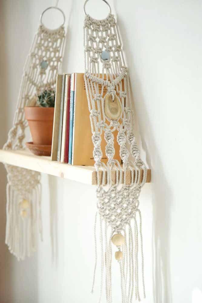 Prateleira de macramê para livros: Organização e decoração com ponto Festonê