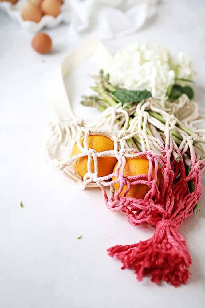 Bolsa ou Fruteira, feita de macramê para uma linda cozinha