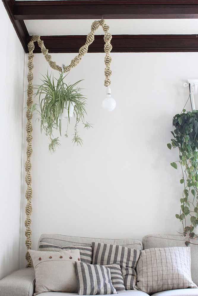 Deixe a sala mais sofisticada com uma bela luminária de macramê
