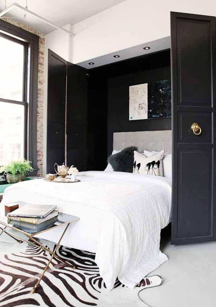 Porta sanfonada preta para o quarto de casal