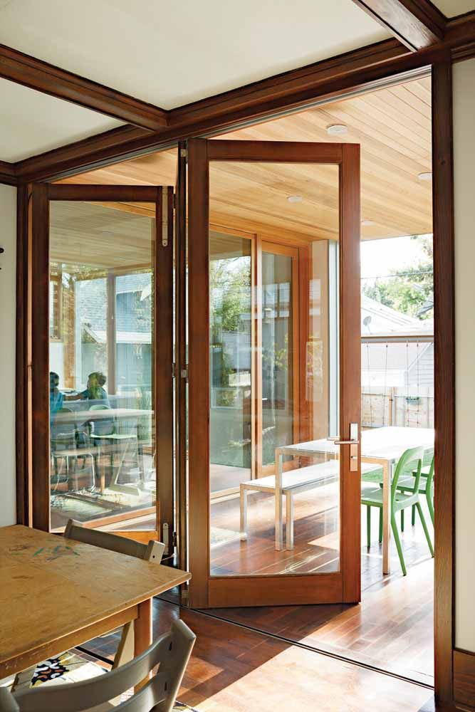 A vantagem das portas sanfonadas feitas sob medida é que elas podem ser ainda mais versáteis e personalizáveis