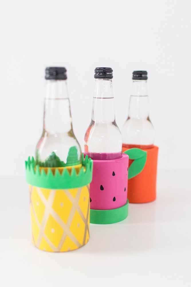 Decore as garrafas de vidro com EVA e motivos cítricos