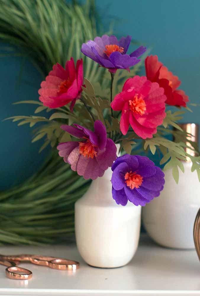 Quais as suas cores favoritas? Use-as na composição do arranjo das flores de papel