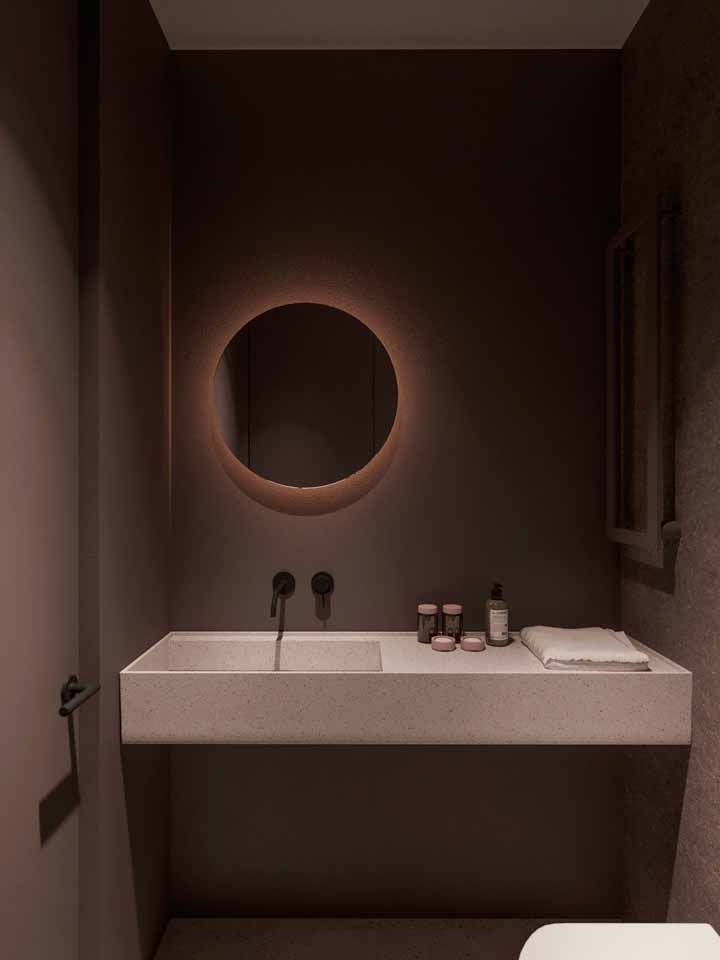 Moderno, elegante e marrom: ponto para esse banheiro que investiu na cor sem medo