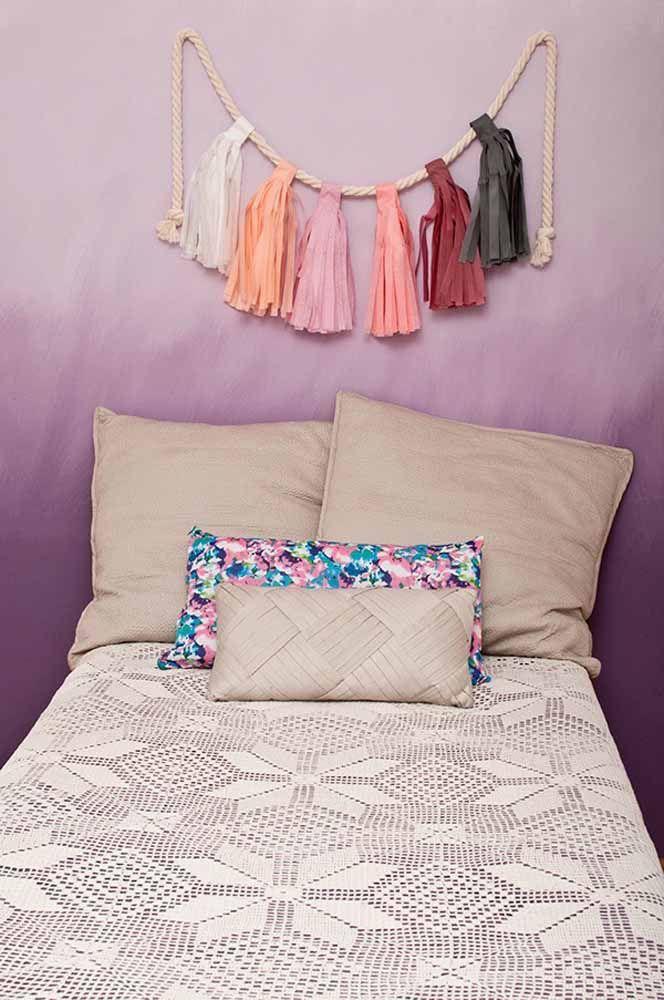 Degradê delicado, harmonioso e relaxante de tons de roxo na parede