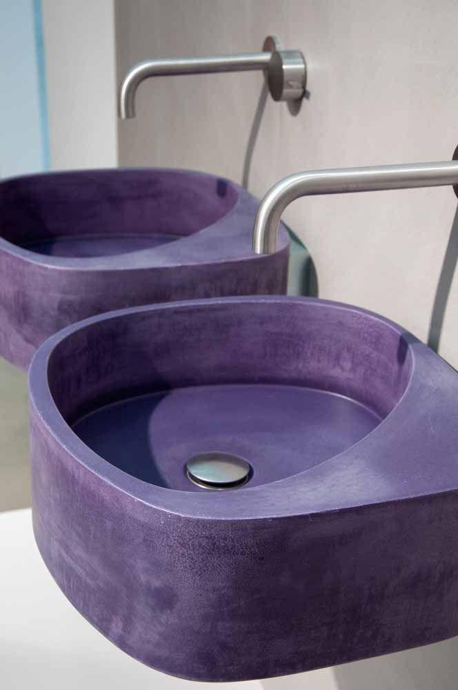 Cubas esculpidas na cor roxa para o banheiro, inovador não acha?