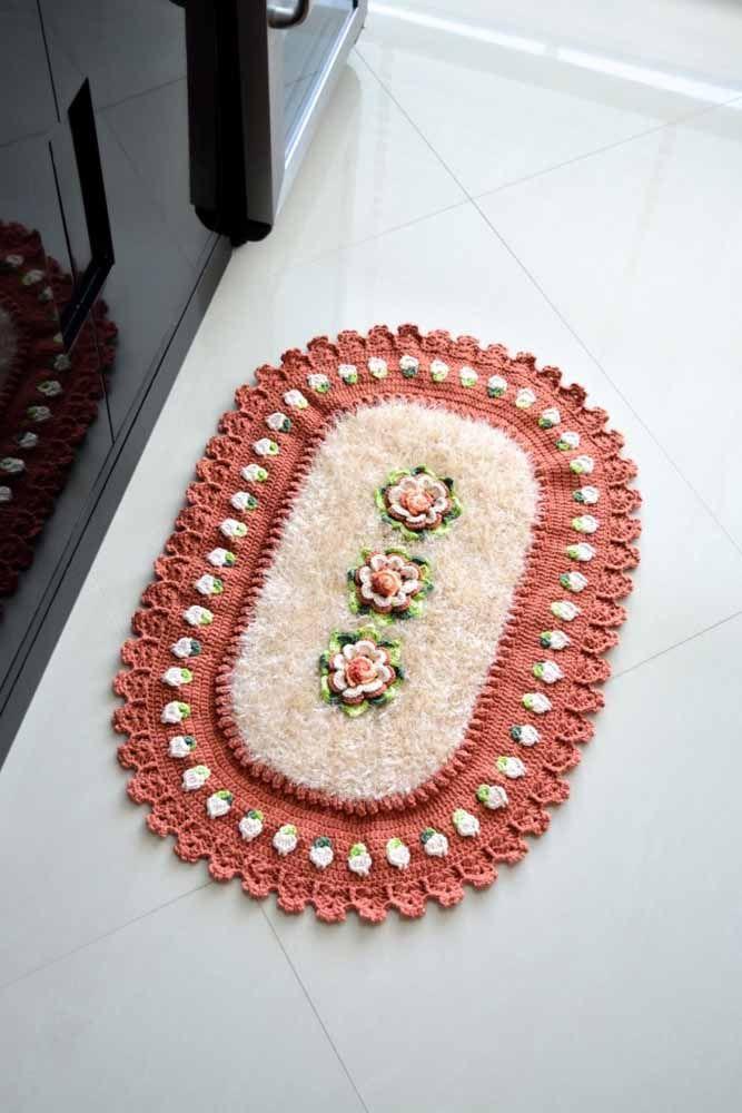 Mistura de tons de rosa e de diferentes barbantes neste projeto super charmoso