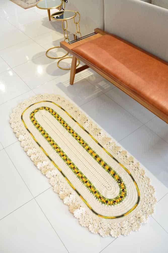 A área de bancos também é uma área ótima para inserir tapetes de crochê e deixar o ambiente mais confortável