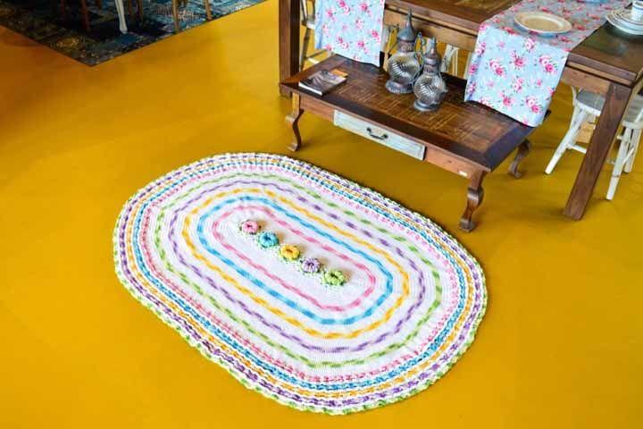 Candy colors trazem um toque mais gracioso e até mesmo infantil para esta peça de crochê