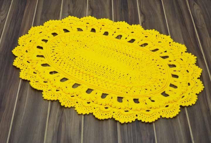 Cor para chamar a atenção neste tapete de crochê russo
