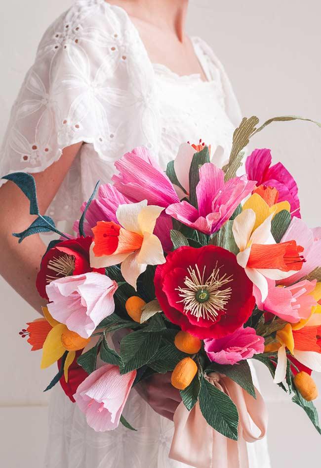 Flores de papel no buquê