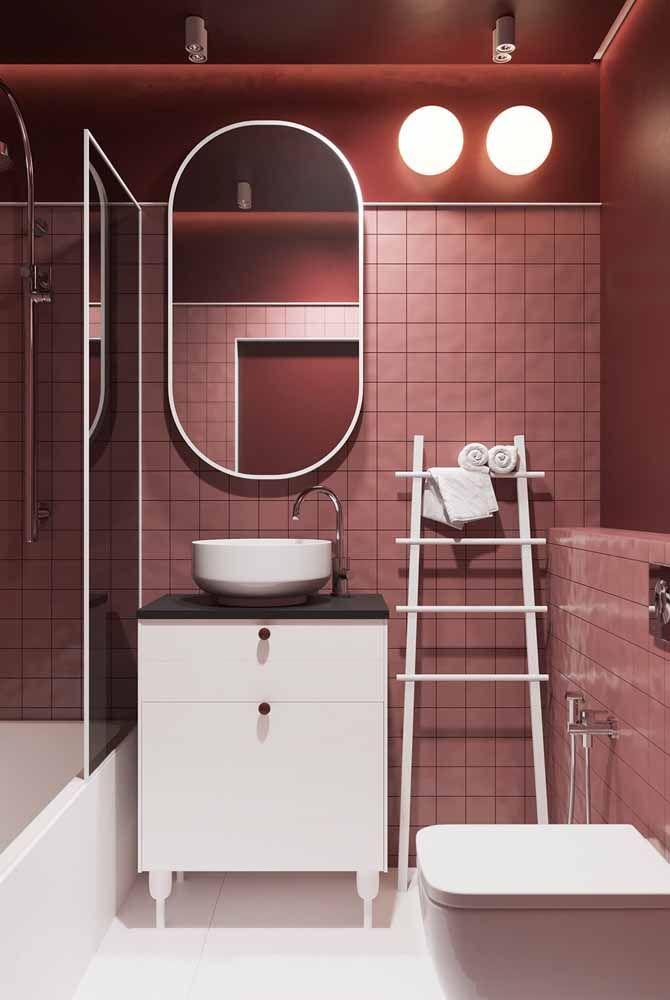 Vermelho e rosa: combinação análoga marcante e cheia de personalidade