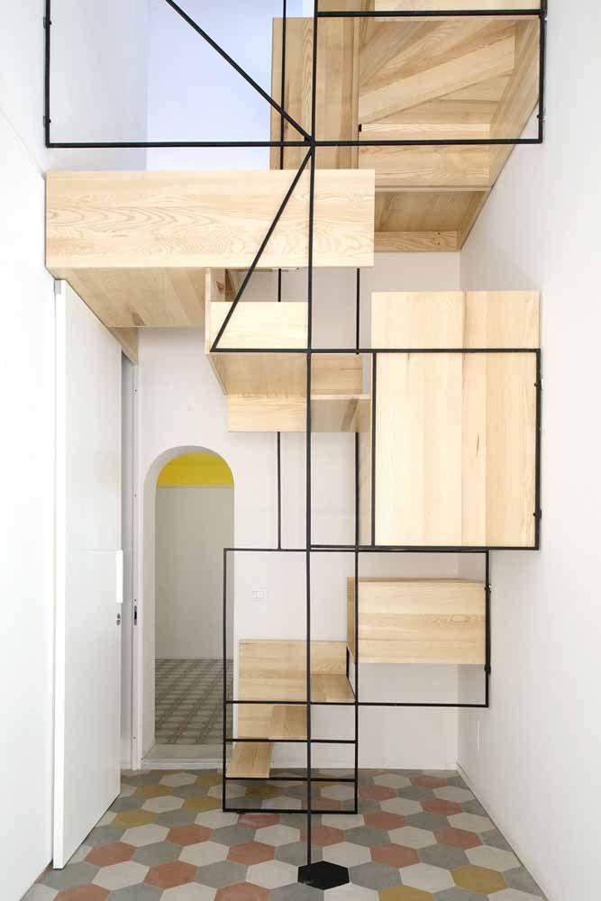 Tendência industrial aplicada na construção da escada e do corrimão