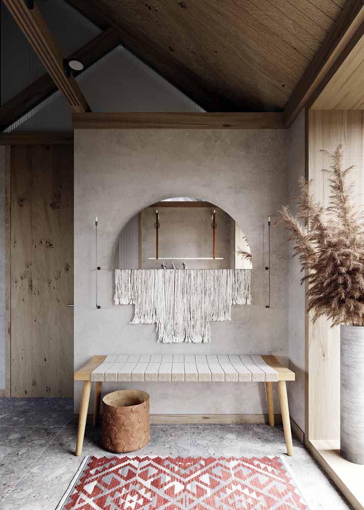 Para o hall de entrada, o recamier pode ser clássico, elegante ou simples, mas igualmente charmoso como esse da imagem