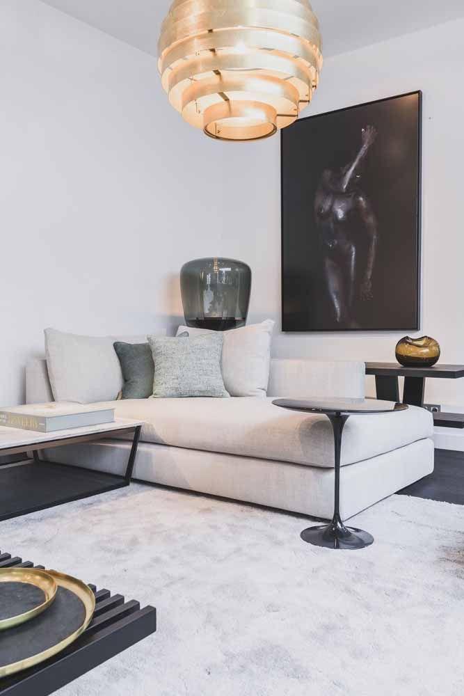 Um modelo confortável de recamier como esse dispensa o uso do sofá convencional