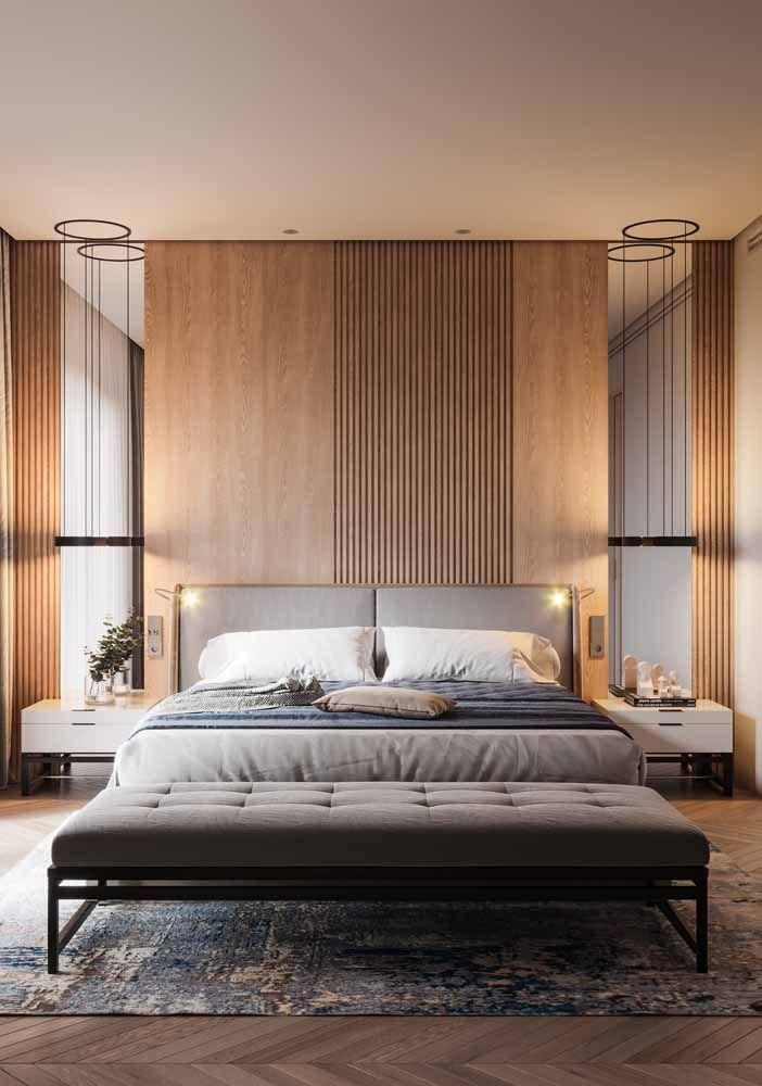 Recamier do tamanho exato da cama é ideal para propostas sóbrias e clássicas de decoração