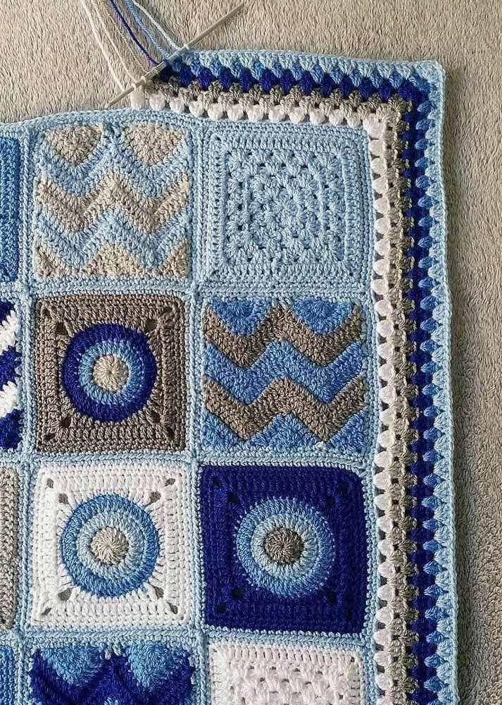 Em cada square uma 'estampa'; em comum somente os tons de azul, branco e cinza