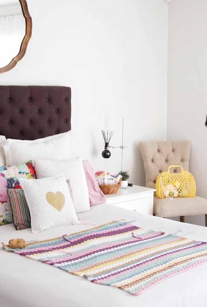 Já essa versão traz a mistura entre o rosa, o lilás e o roxo; um belo tapete para quartos de meninas