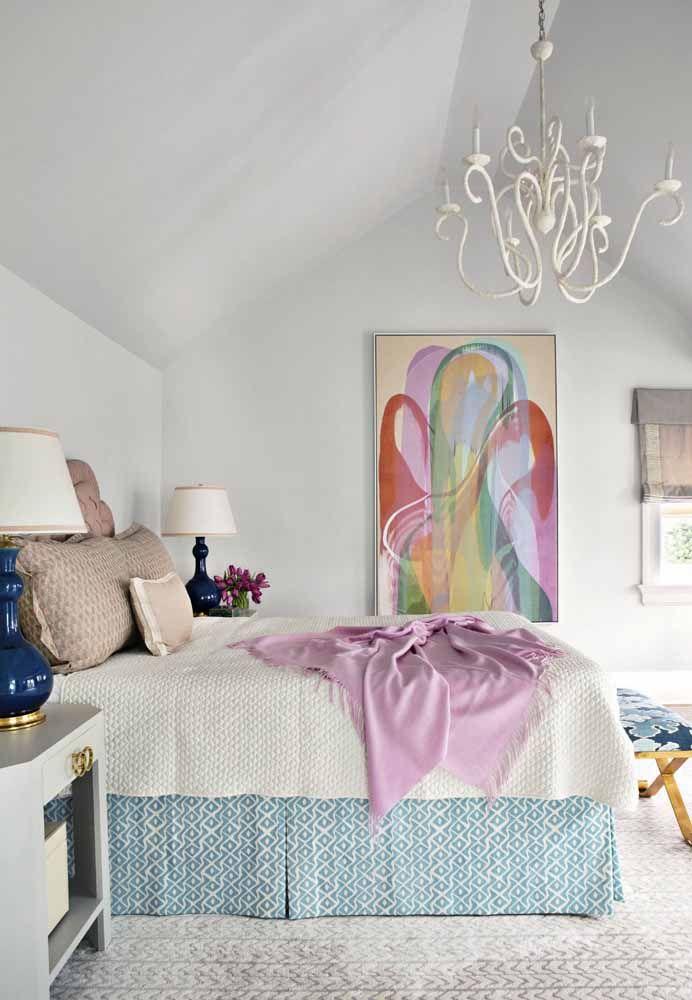 Um item despretensioso na cor lilás ganha destaque no quarto