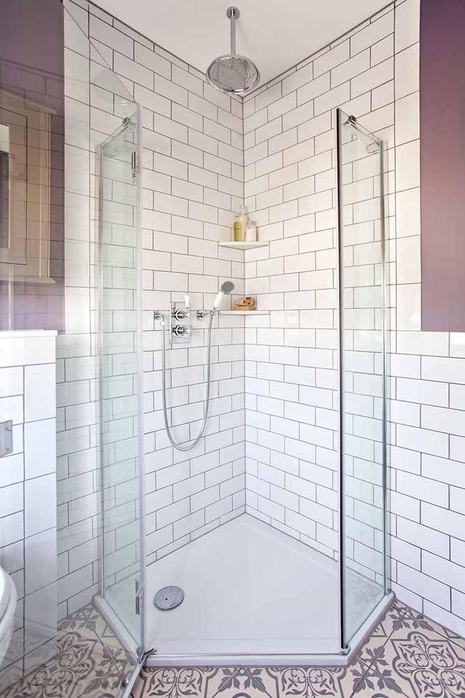 Você também pode misturar vários tons de lilás no banheiro