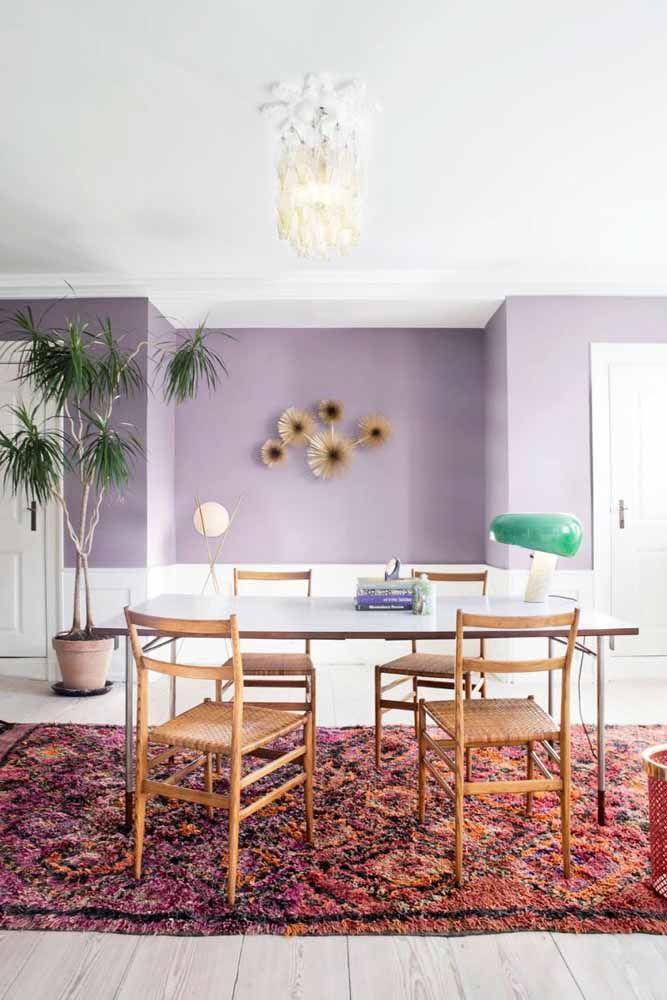 Capriche na pintura da parede na cor lilás para decorar qualquer ambiente da sua casa